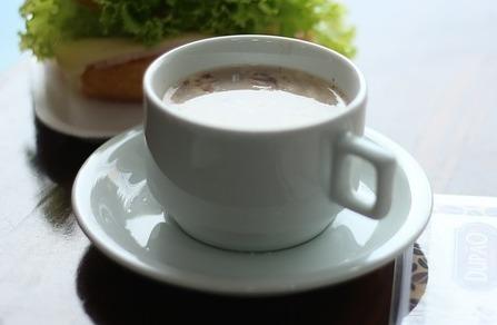 妊活でルイボスティーにミルクを足す飲み方は飽きないのでおすすめ。