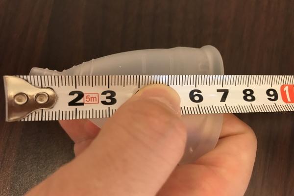 月経血カップ「ディーバカップ」のサイズ2の直径高さ(外寸)は7㎝。二人目以降の妊活中の女性や経産婦、40歳以上の女性におすすめである。使用感を口コミします。