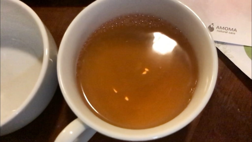 5分煮出したアモーマのグリーンルイボスティー。飲みやすくて美味しいです。妊活におすすめ。