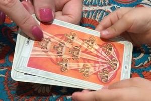 エンハーブの無料タロット占いイベントで、娘が最初に引いたタロットカード。うつ夫にもっと遊んでもらえるにはどうすればよいのか?聞いた。