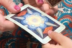 エンハーブの無料タロット占いイベントで娘が二番目に引いたタロットカード。うつな夫と遊んで欲しいため相談した。