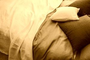 二人目妊活で高温期が短いのは、睡眠不足などによる自律神経の乱れもある。自律神経をととのえるために、布団に入って早く寝ることにした。