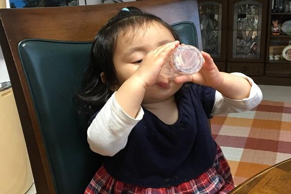 リセットタイムの口コミ。ウォーターサーバーが妊活中に届いたので、水分を摂取する必要性について説明します。