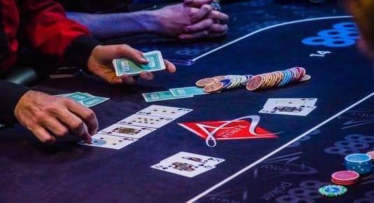 poker online menghasilkan uang asli