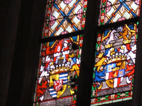 聖母彼昇天教会ステンドグラス