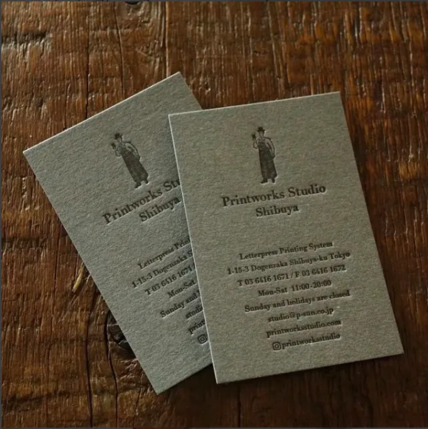 GA ファイルグレーの紙で刷ったという味のあるショップカード