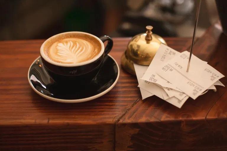 コーヒーとテーブル
