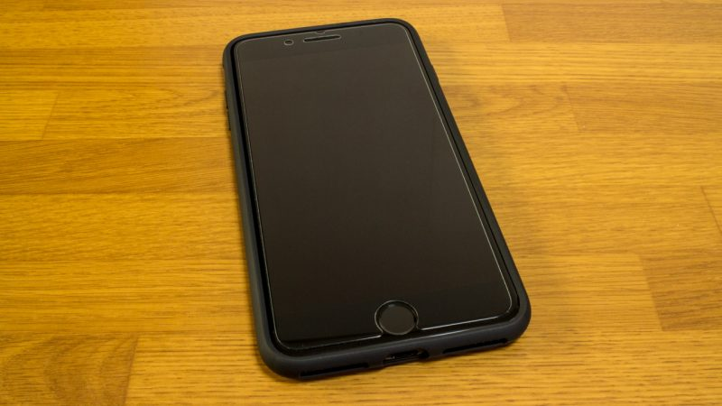【spigen】リキッド・アーマーの前面(iPhone 7 Plus)ケース装着時