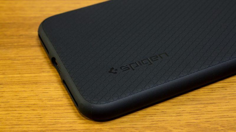 【spigen】リキッド・アーマーの質感(iPhone 7 Plus)