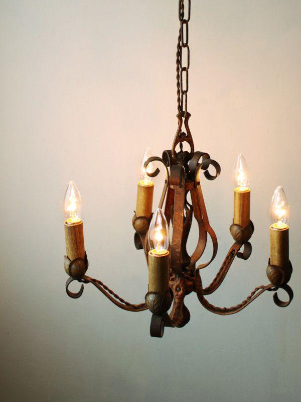 実用的なアンティーク照明