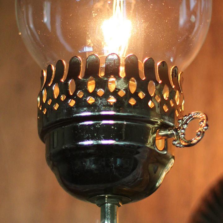 1900年代初頭頃までのガスランプにあった鍵型のガス栓をモチーフにしたキースイッチ
