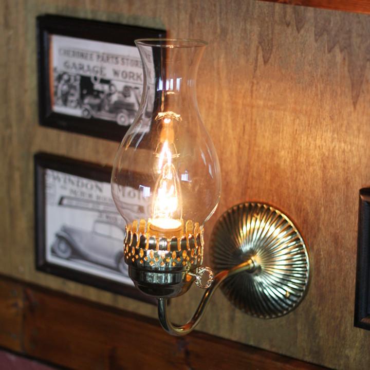 アンティークランプ・アンティークランタン|透明度の高い薄いクリアガラスで出来たチムニー(火屋)