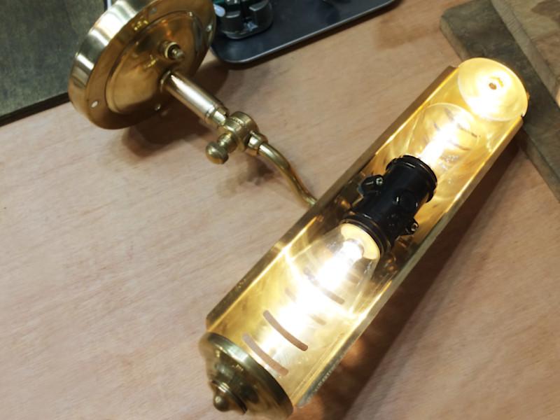 1.4Wのサイン球(LED)電球で点灯確認した様子|異常なし
