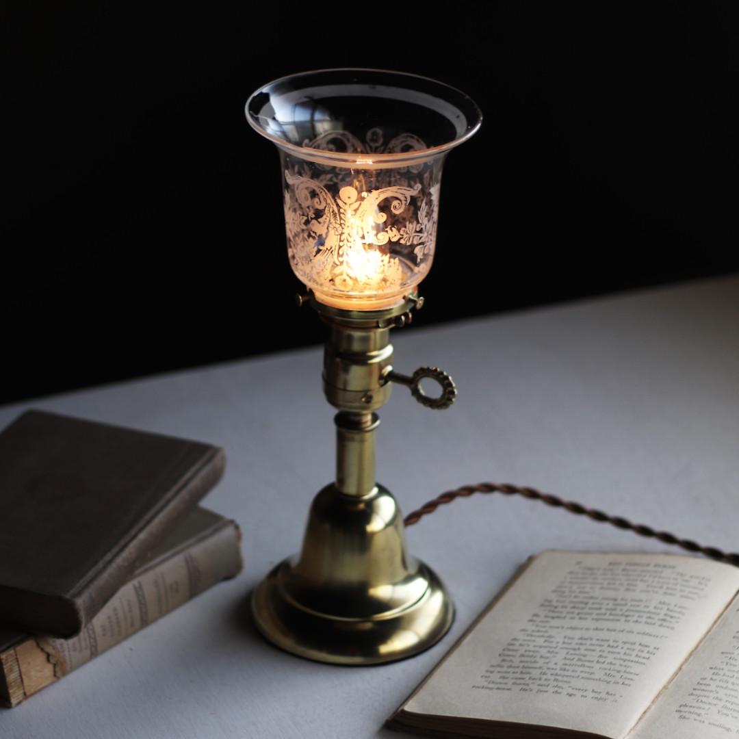 アンティーク真鍮製テーブルライト卓上照明 USAヴィクトリアンガラスシェード&GE社製ソケット