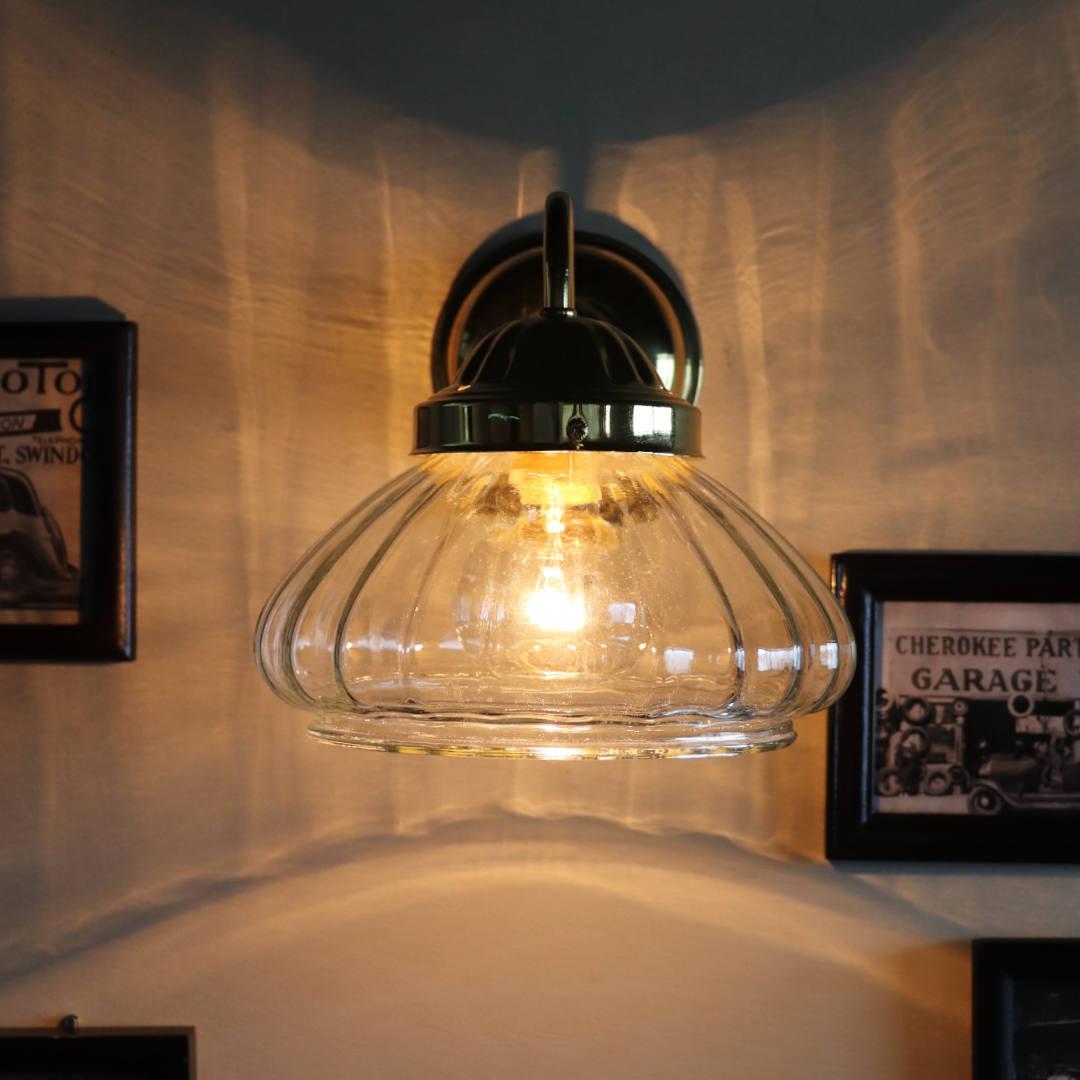 スチューデントランプなどに多く見られた玉ねぎ型の電傘|ヴィンテージランプ