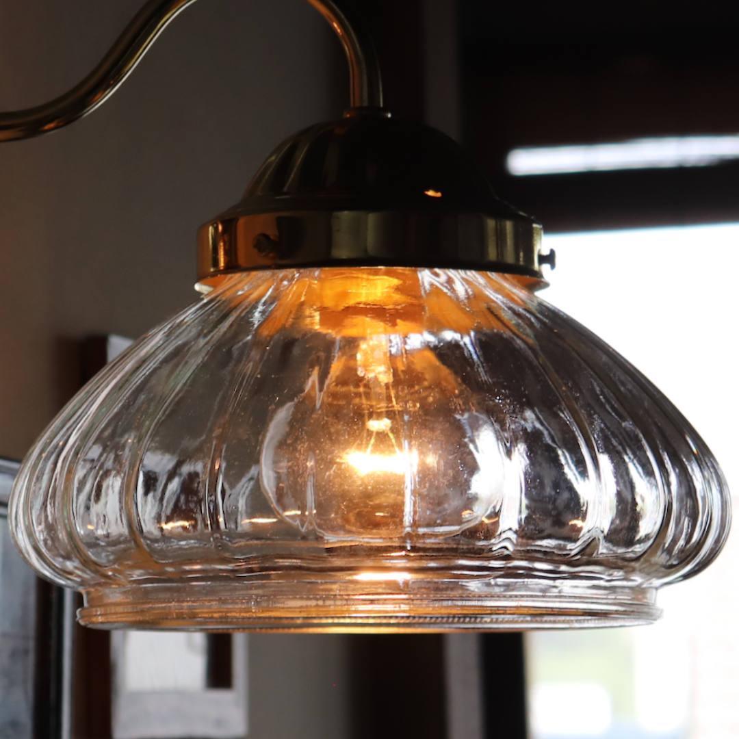 分厚いガラスで出来たシェード|USAヴィンテージオニオンシェイプシェード壁掛け照明