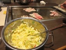 2015年5月23日-大阪風お好み焼きのお店で昼食をとりました