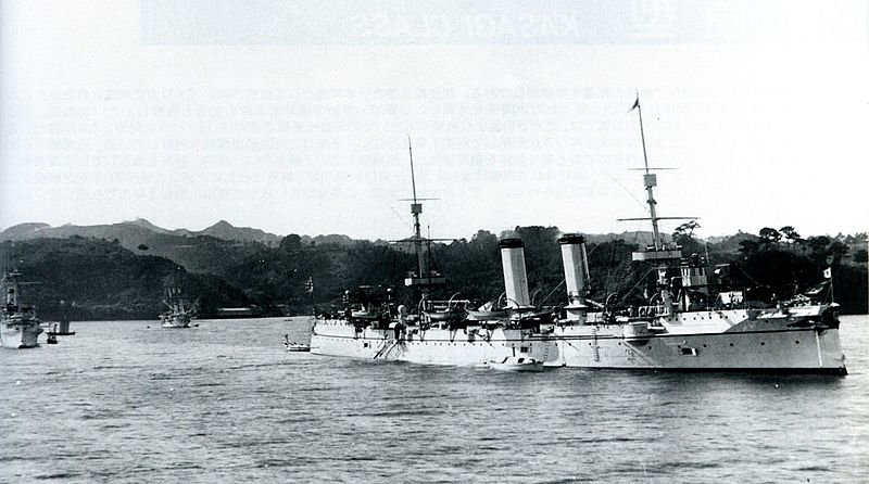 Japanese_cruiser_Yoshino_at_Yokosuka