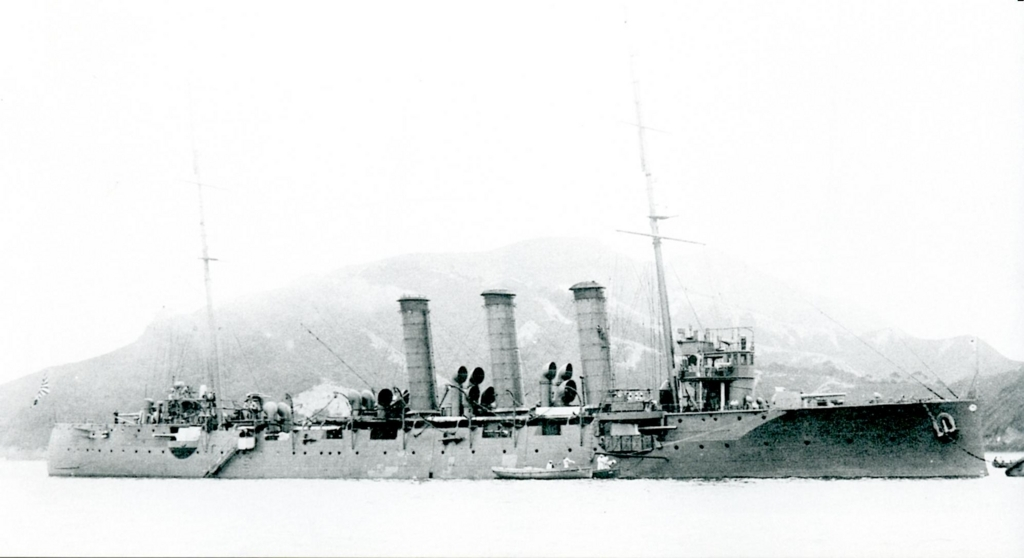 Japanese_cruiser_Niitaka_in_1918