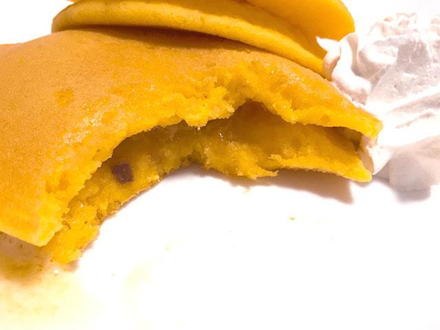 安納芋のもちっとパンケーキ 発酵バター入りクリーム