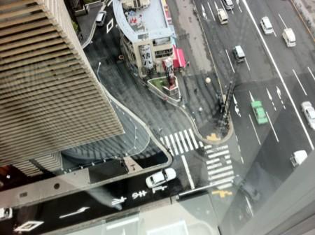 銀座三越新館12階より足元を望む