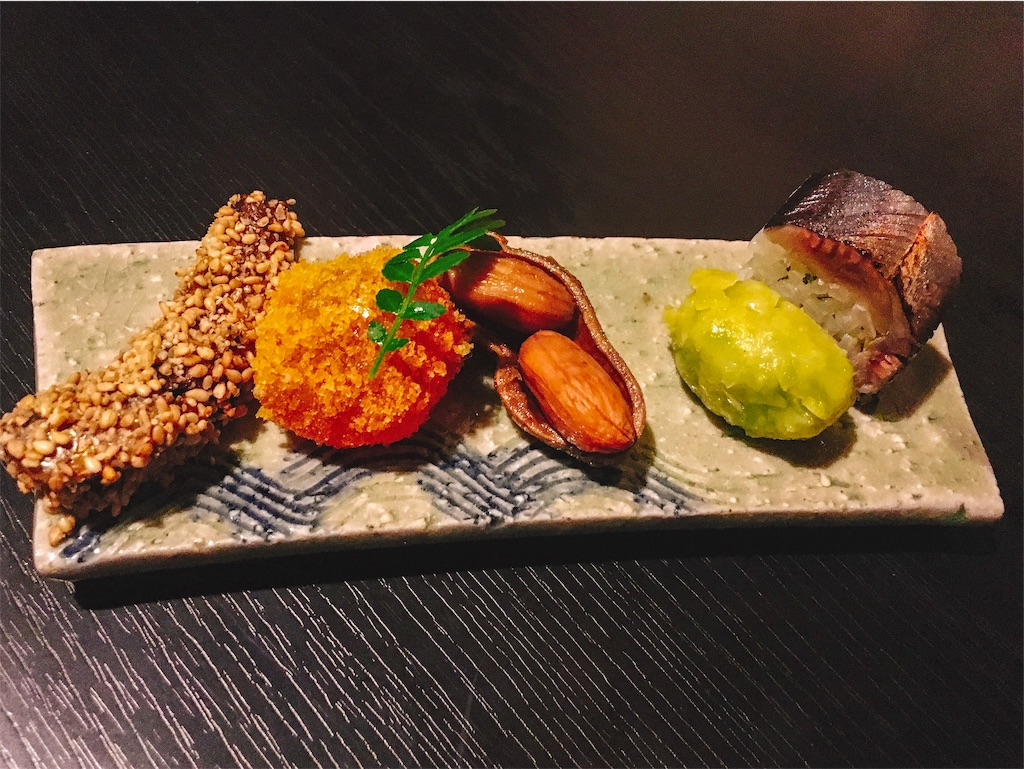 左からイワシゴマまぶし、カラスミ玉子、銀杏団子、さんま棒寿司