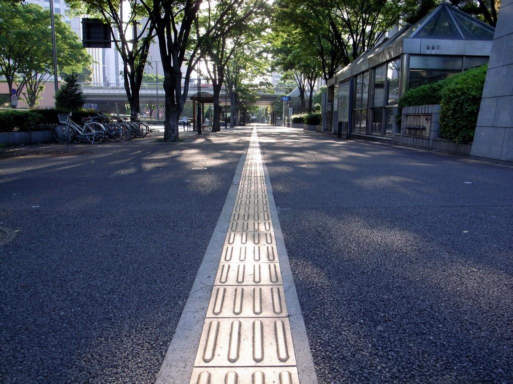 早朝・西新宿7