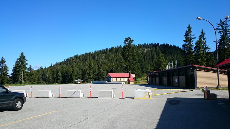 シーモアマウンテン駐車場