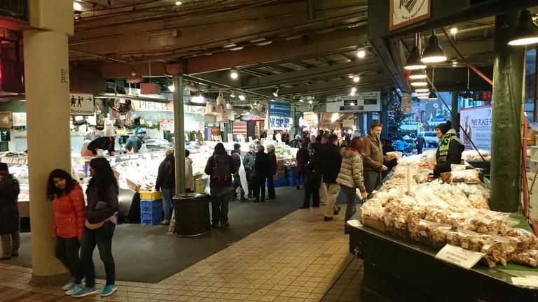 精製食品売り場