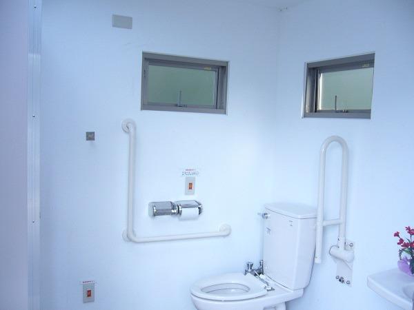 多目的トイレの内部