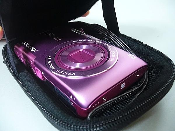 コンパクトカメラケースのCOOLPIX A300を収納