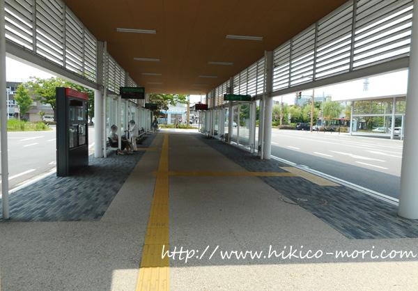 市役所前のバスターミナル