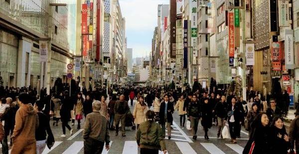 祝日が多い日本でも休んでいる場合じゃない