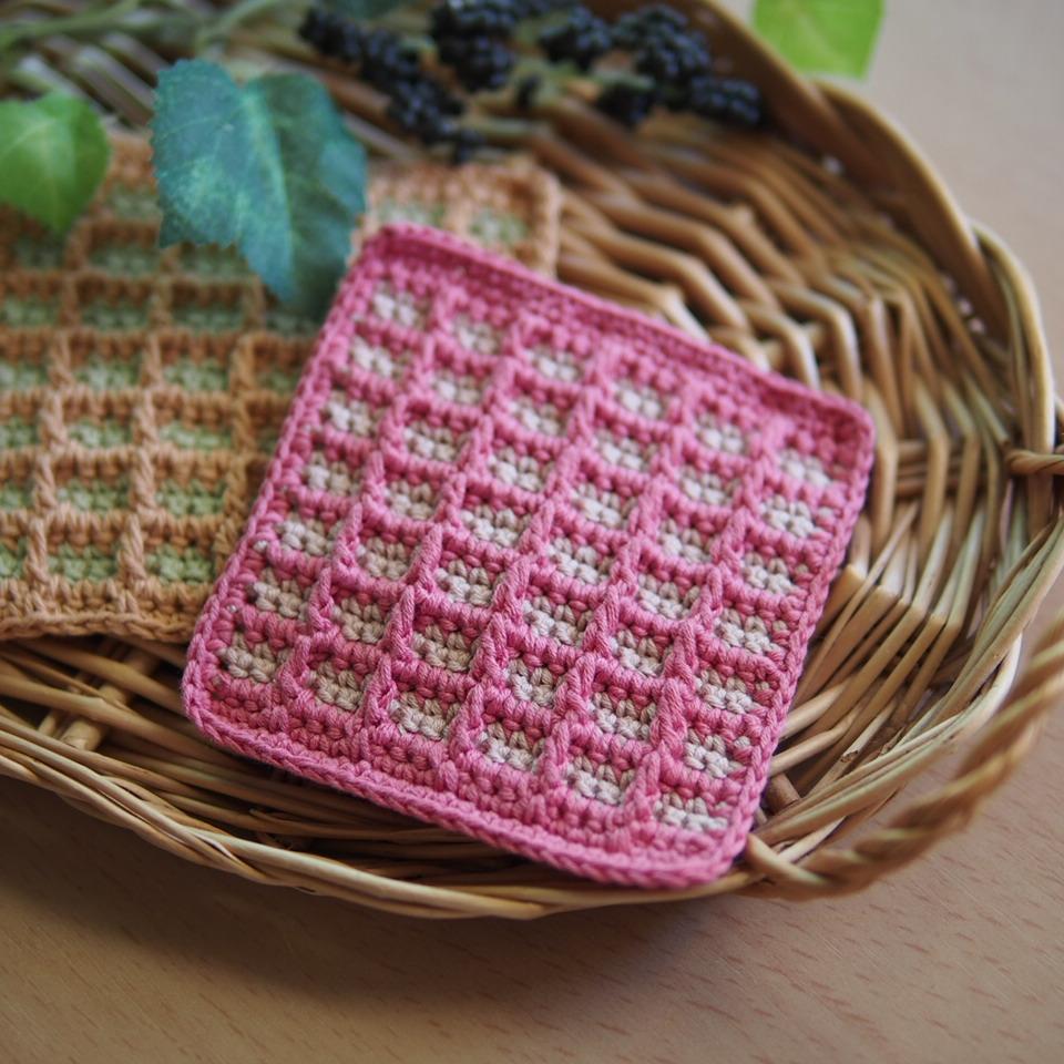 ワッフル編みのドイリー