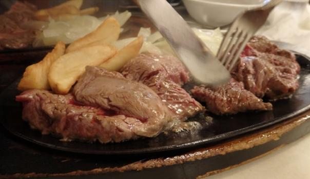 沖縄のステーキの名店 ジャッキーステーキハウスのステーキ