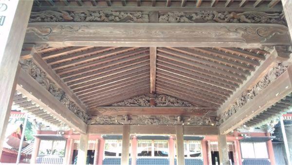 舞殿の内部の装飾