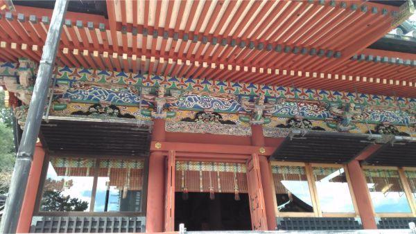 大拝殿の軒下