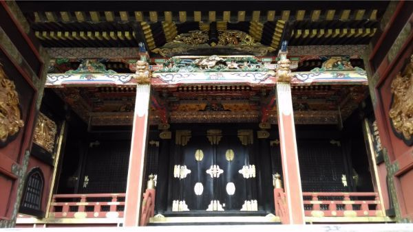 八千戈神社の向拝