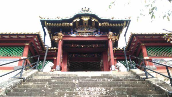 久能山東照宮の唐門と透かし塀