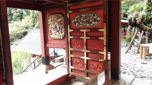 久能山東照宮の唐門の桟唐戸