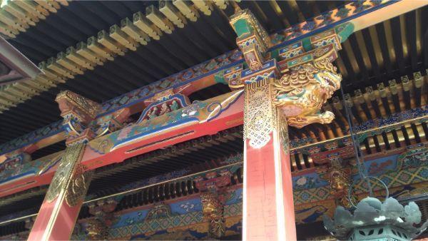 久能山東照宮の向拝の軒下