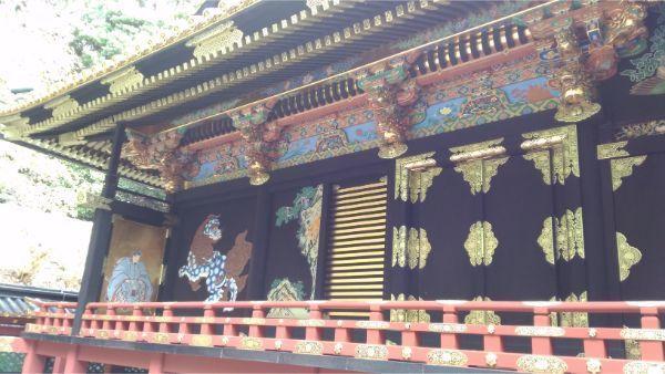 久能山東照宮の本殿左側面