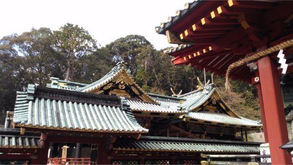 久能山東照宮を塀の外から見た図