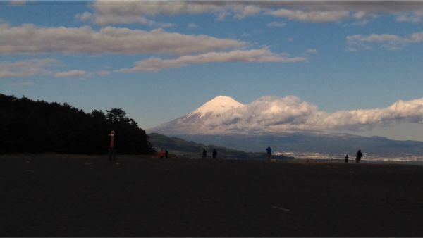 三保の松原から眺める富士山