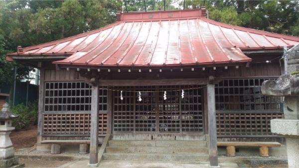初鹿野諏訪神社の拝殿