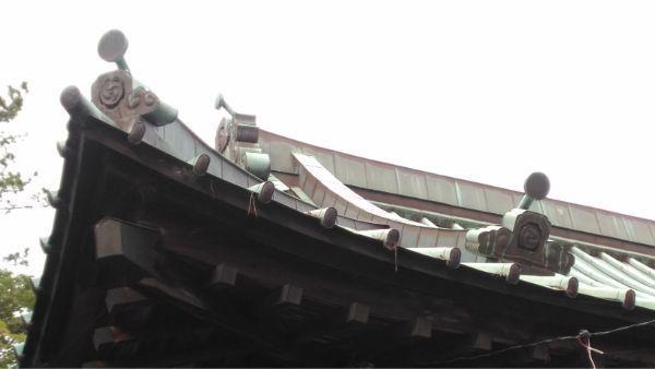 御穂神社の拝殿の屋根