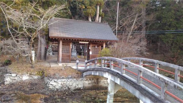 穂見諏訪十五所神社の端と門