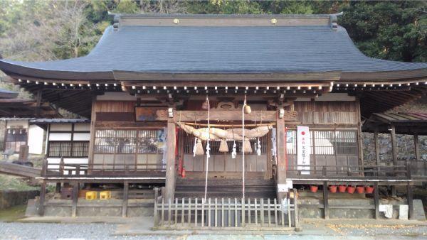穂見諏訪十五所神社の拝殿