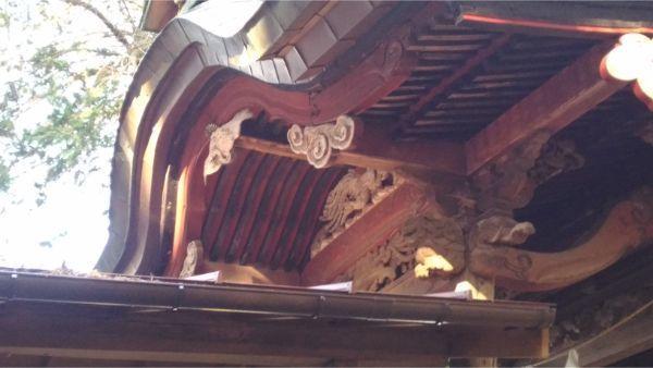 三島神社本殿の向拝