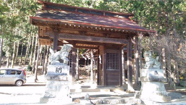 御牧子安神社の随神門